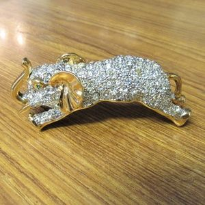 Jewelry - Large Elephant Crystal Gilded Shoulder Brooch